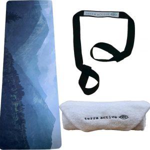 Eco Yogabundel - Bergen - Eco Yogamat + Biologisch Katoenen Handdoek + Yogariem - Diverse Kleuren