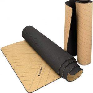 Navaris yoga mat van kurk 183x61cm | Fitness mat met anti slip laag en draagriem | Yogamat van recyclebaar kurk, duurzaam en milieuvriendelijk | Fitnessmat | Sportmat