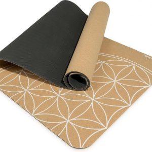 Navaris yogamat van duurzaam kurk - Anti-slip sportmat met schouderriem - Trainingsmat voor yoga en pilates - 183 x 61 x 0,5 cm - Levensbloem