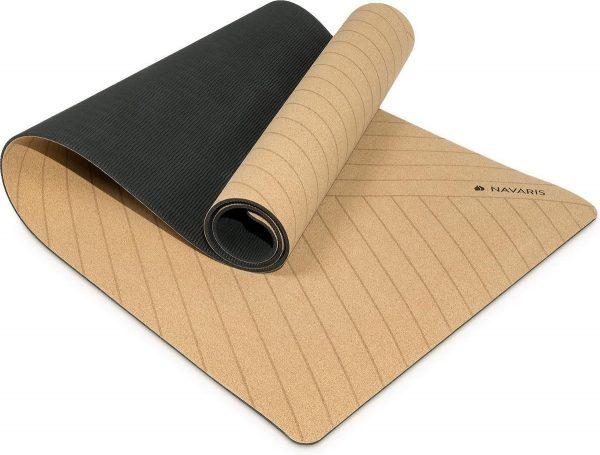 Navaris yogamat van duurzaam kurk - Anti-slip sportmat met schouderriem - Trainingsmat voor yoga en pilates - 183 x 61 x 0,5 cm - Lijnen